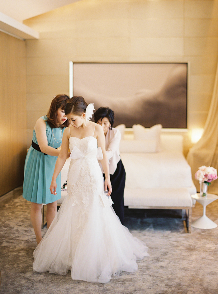 classic romantic las vegas destination wedding