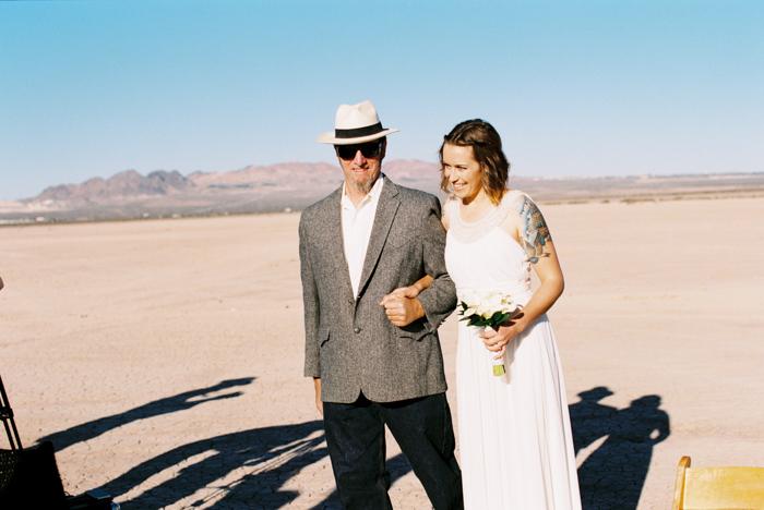 intimate indie desert vegas wedding photo 5