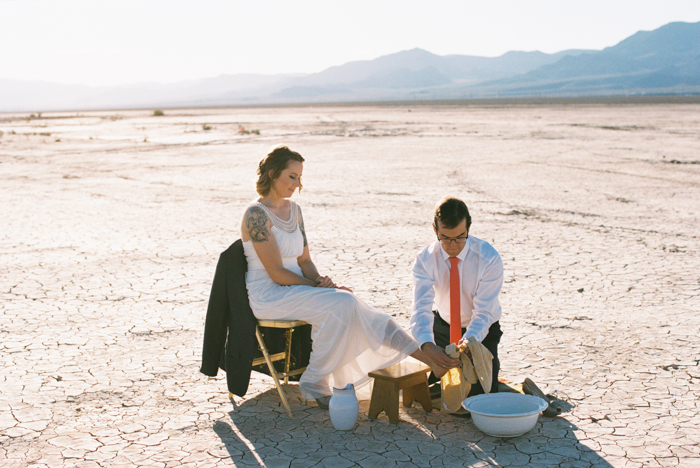 intimate indie desert vegas wedding photo 15