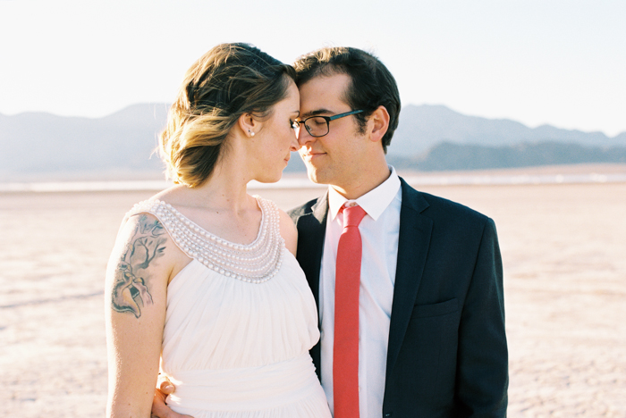 intimate indie desert vegas wedding photo 20