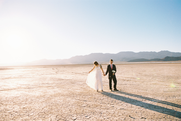 intimate indie desert vegas wedding photo 25