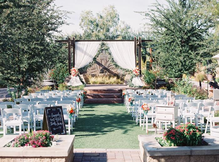 romantic desert arboretum vegas wedding photo 2
