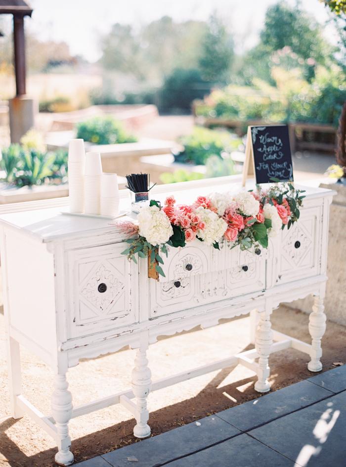 romantic desert arboretum vegas wedding photo 4