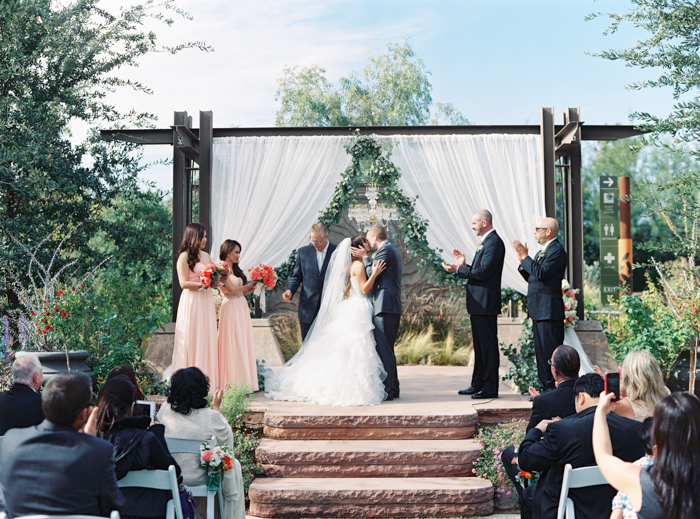 romantic desert arboretum vegas wedding photo Springs Preserve