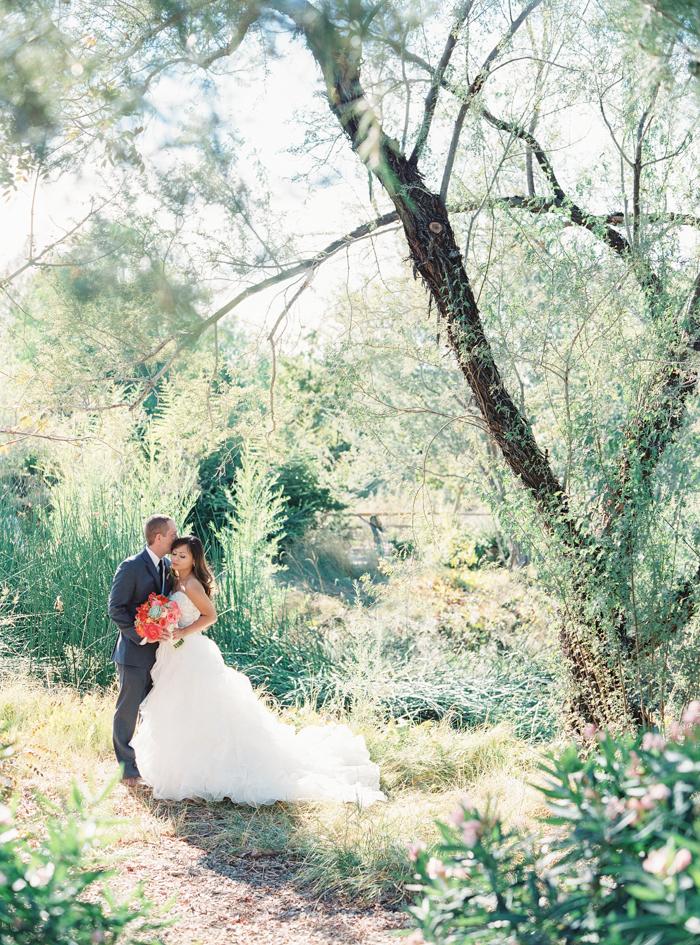 romantic desert arboretum vegas wedding photo 36