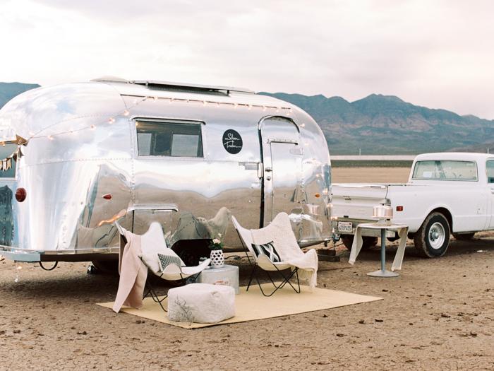 las vegas flora pop silver trailer desert wedding photo 4
