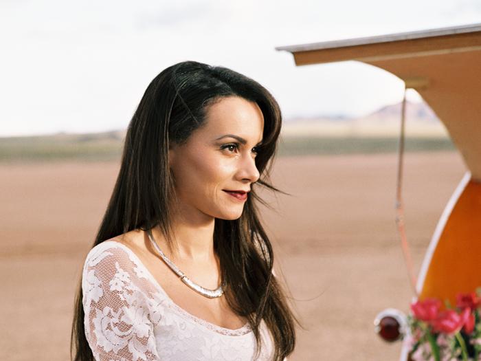 las vegas flora pop silver trailer desert wedding photo 19