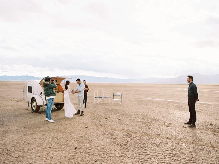 las vegas flora pop silver trailer desert wedding photo 22