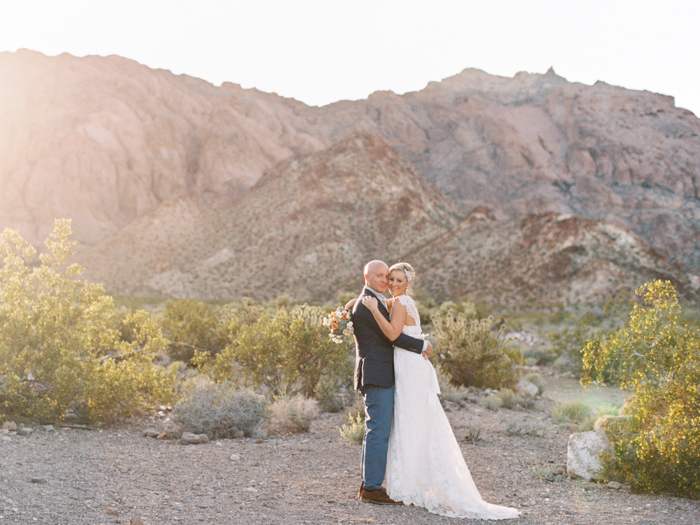 las vegas desert destination wedding photo