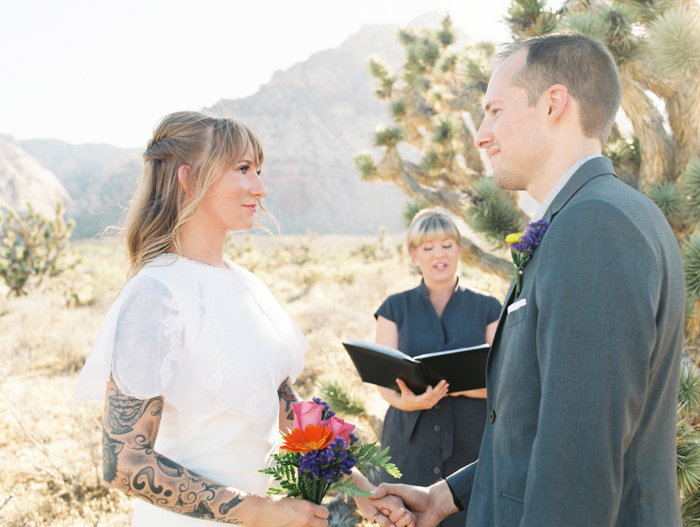 nevada desert elopement photo 4.jpg
