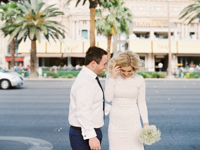 las vegas outdoors elopement photo 11.jpg