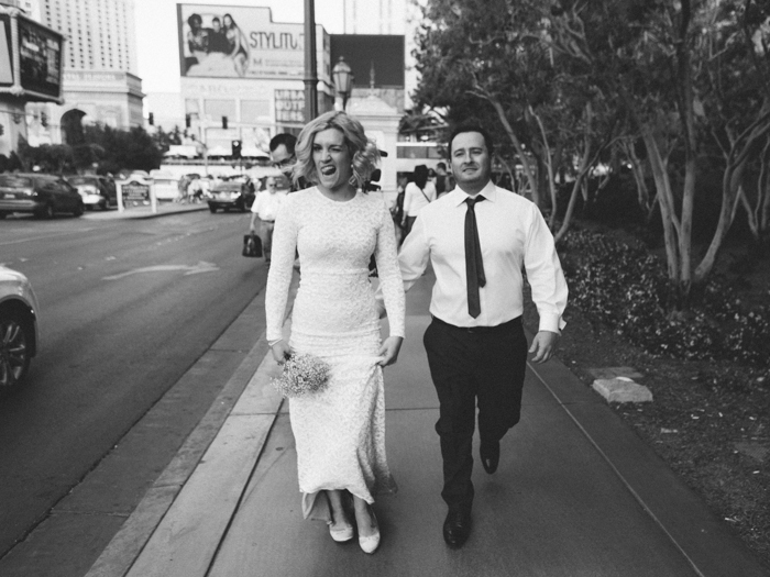 las vegas outdoors elopement photo 13.jpg
