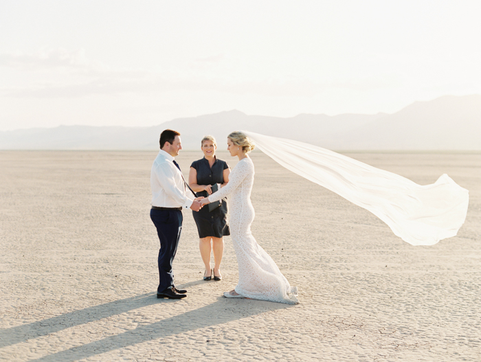 las vegas outdoors elopement photo 14.jpg