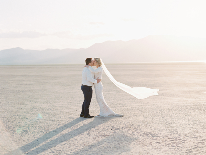 las vegas outdoors elopement photo 19.jpg