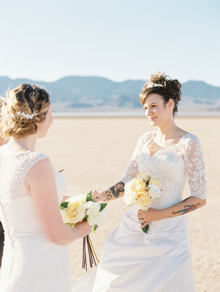 romantic eldorado dry lake bed elopement | las vegas elopement photographer| gaby j photography | same sex desert elopement inspiration | peachy keen unions