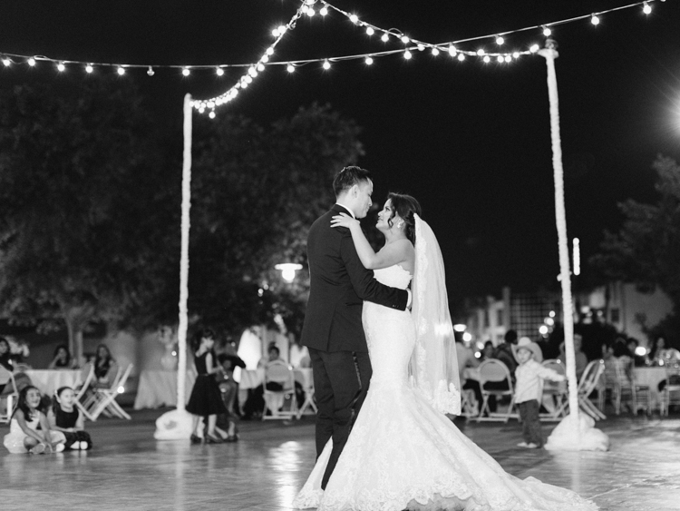 romantic henderson convention center wedding | gaby j photography | las vegas wedding photographer | javier garcia wedding planner