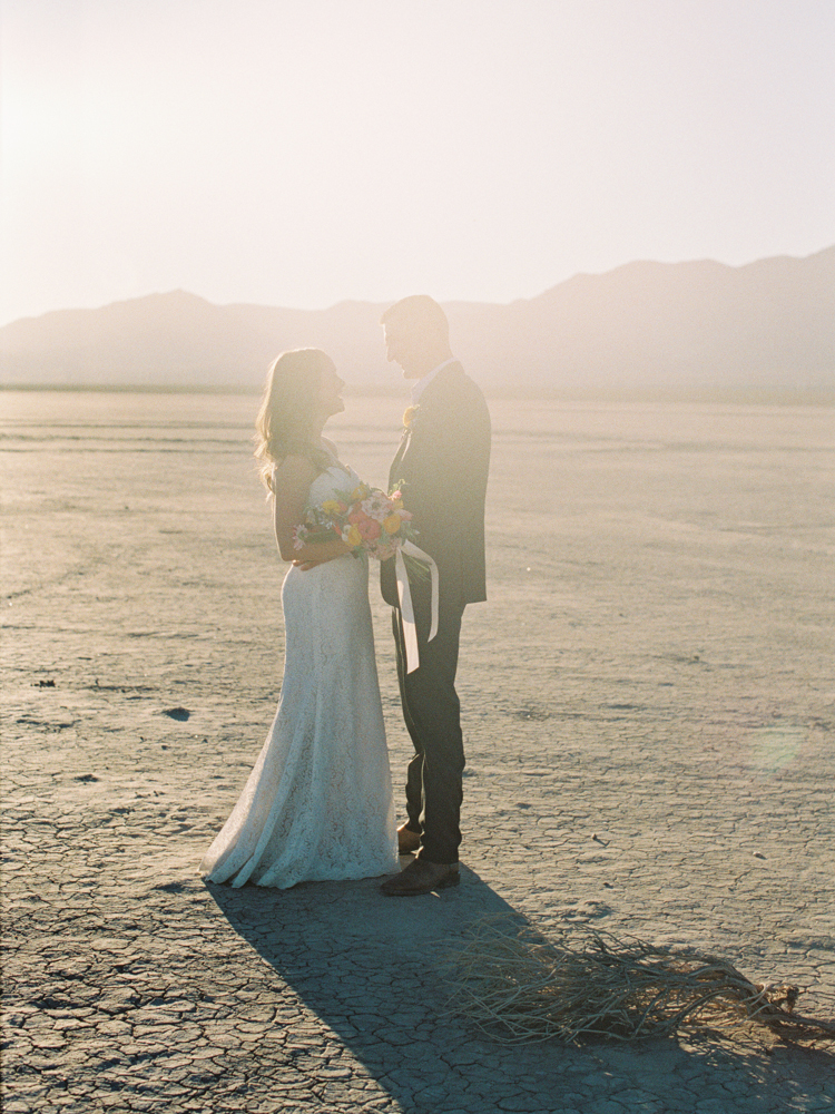 outdoors las vegas elopement photographer | dry lake bed elopement | gaby j photography | flora pop