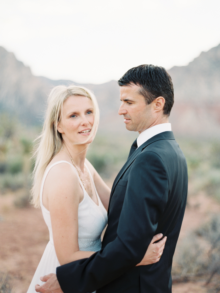 nevada state park wedding | las vegas elopement photographer | spring mountain ranch wedding | gaby j photography