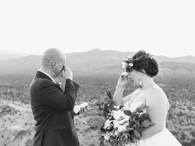 why you should elope in las vegas nevada | gaby j photography | flora pop