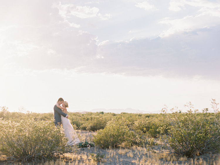 simple elopement in las vegas nevada | gaby j photography