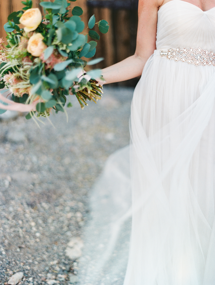 simple elopement in las vegas nevada | gaby j photography | city blossoms lv