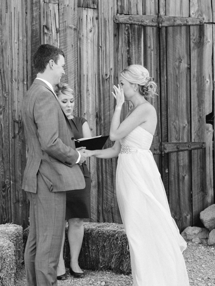 simple elopement in las vegas nevada | peachy keen unions | gaby j photography