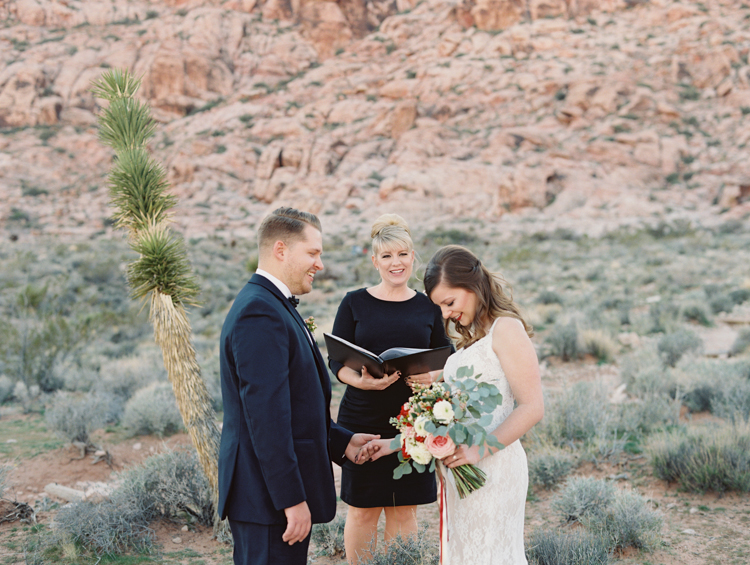 small wedding at red rock canyon national park | desert elopement | gaby j photography | las vegas elopement | danani handmade adornments | opal floral | peachy keen unions