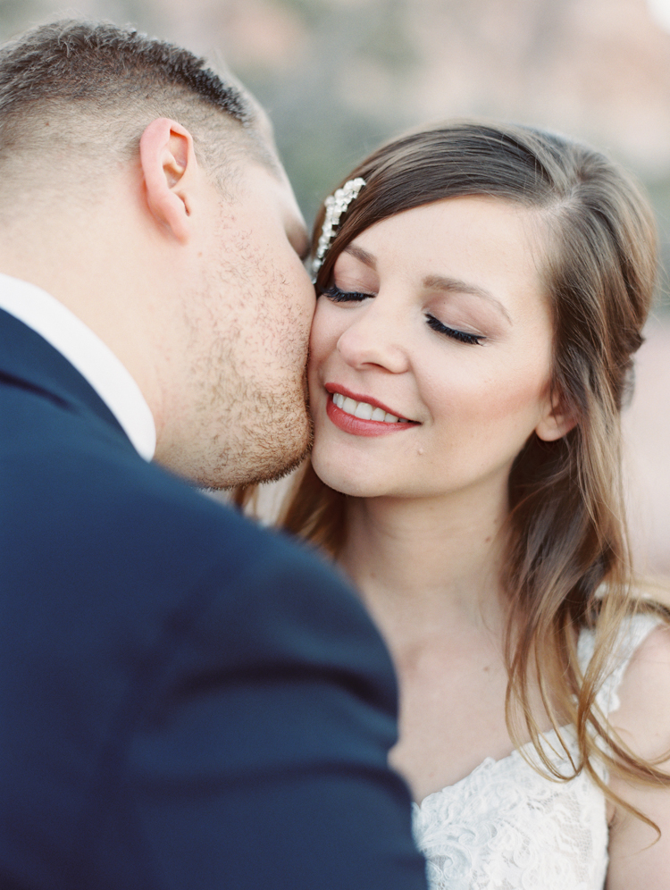 small wedding at red rock canyon national park | desert elopement | gaby j photography | las vegas elopement | danani handmade adornments | opal floral | peachy keen unions