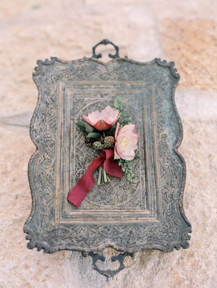 graceful romantic intimate tuscan inspired wedding