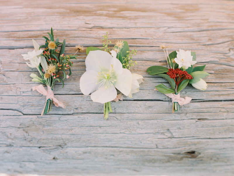 foraged flowers wedding boutonniere