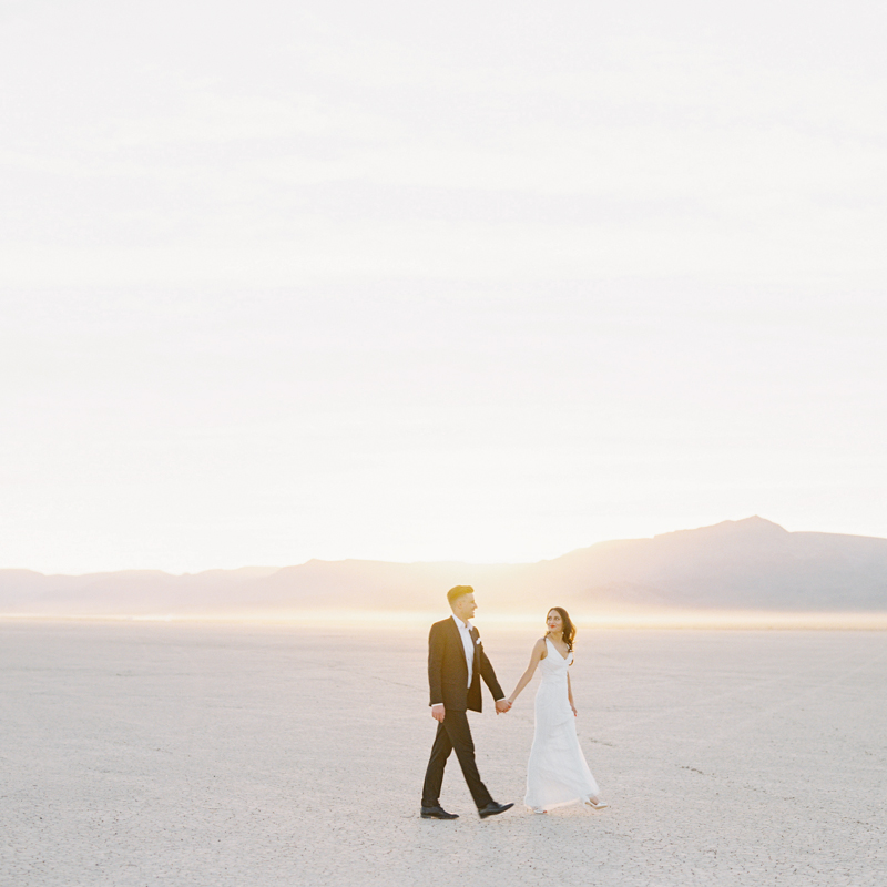 las vegas dry lake bed elopement