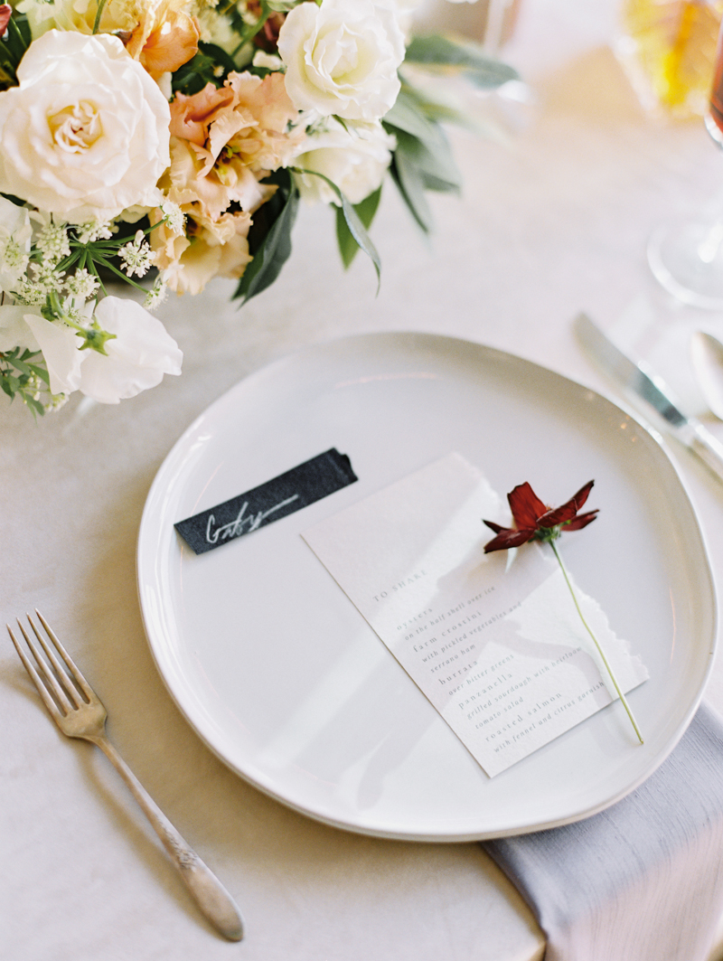 minimal and modern wedding menu and name cards
