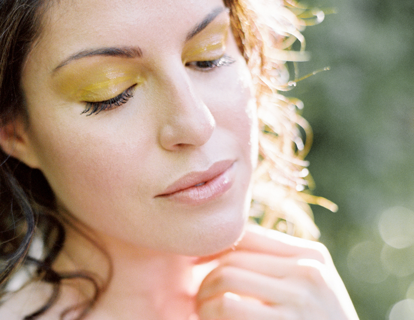 gold yellow eyeshadow bridal makeup
