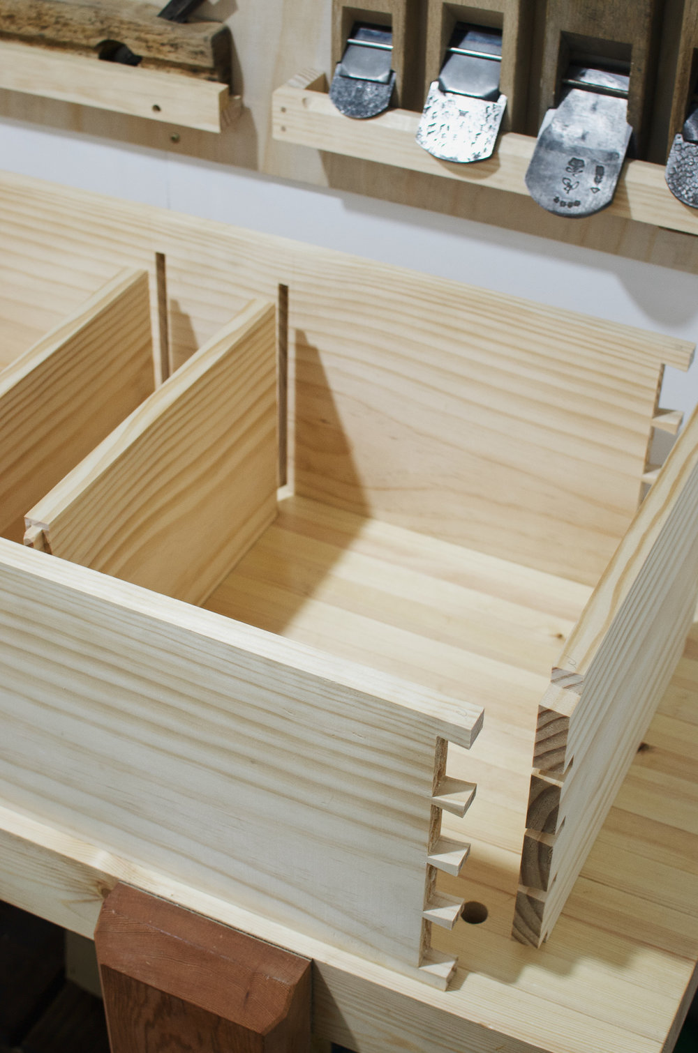 Dovetails wall cabinet PF