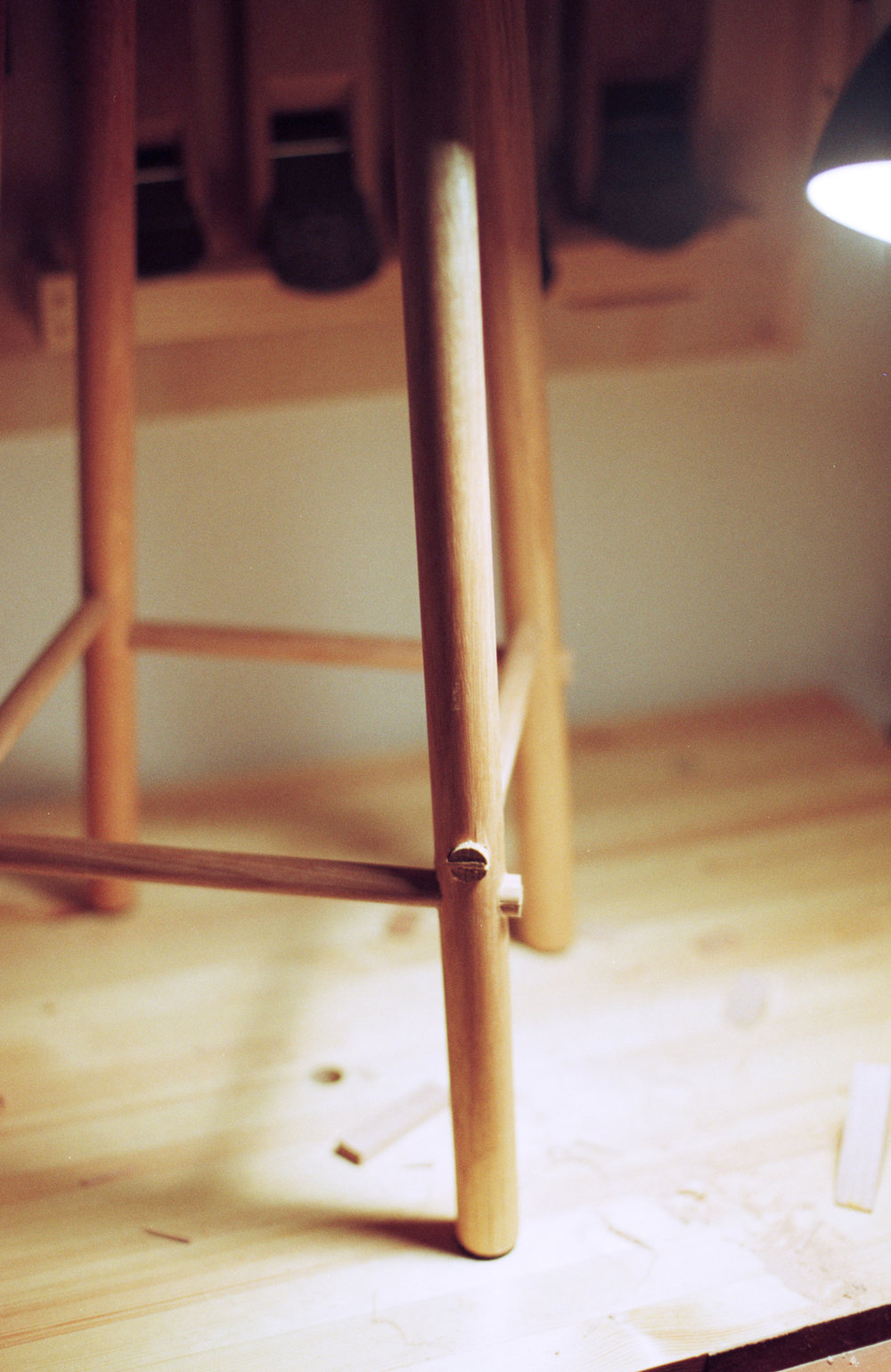 Hand tool stool wedged leg rungs PF