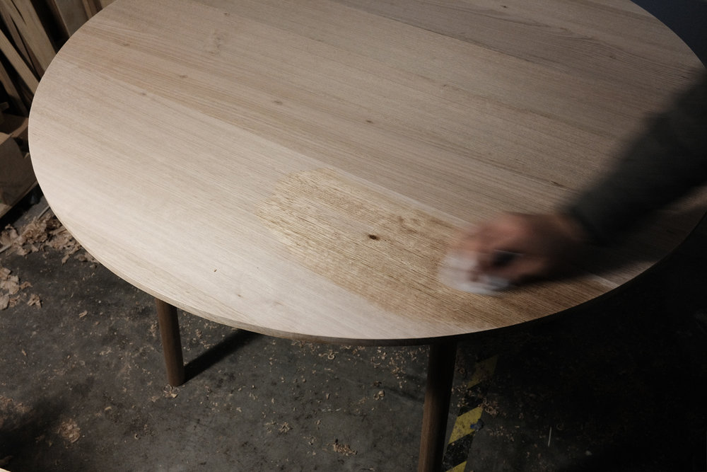 Finishing tete-a-tete table top Danish oil PF