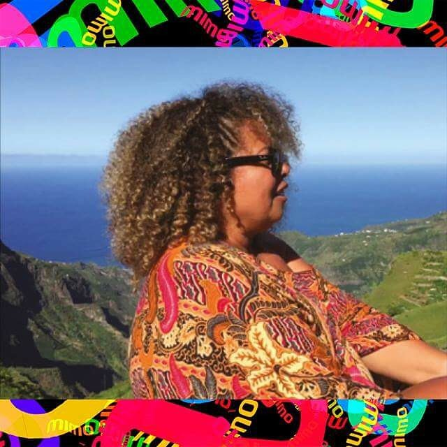 """""""Eu acho que se aplica sempre dizer que Cabo Verde é um Brasil e Brasil é um Cabo Verde"""" Shirley Broxado.  Um documentário que mostra a união dos países de língua portuguesa.  O filme NOSSALINGUA.DOC, será exibido no festival MIMO, sábado, dia 16 de Julho às 20h no Cine Teixeira Pascoaes, Centro Comercial Santa Luzia, Apartado 278 – 4600 Amarante. Entrada gratuita.  Aproveitem o Festival MIMO que está com uma programação incrível. Segue o link com a programação completa: http://mimofestival.com/portugal/amarante/ Esperamos você lá #nossalingua #nossalinguadoc #nossalingua.doc #portugal #amarante #mimo #mimocinema"""