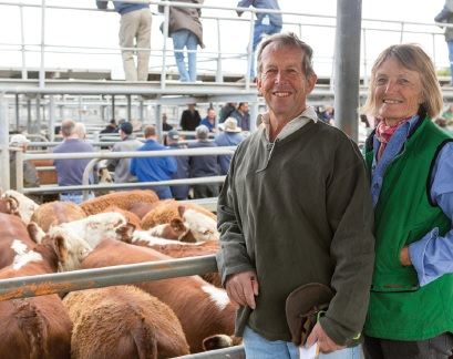 Buyers of the Nayook South top pen for $1095 - Alan & Lyn Schinkel of Naracoorte.
