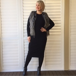 HOW TO WEAR: THE ANKLE BOOT // We are well and truly into ankle boot season now. Have you embraced this trend? Do you have a pair of them in your wardrobe, but unsure how to style them? Lily from @the_stylish_teacher shares her tips for pulling off this seasons ankle boots. #exclusivelymum #thestylishteacher #mamastyle #ankleboots