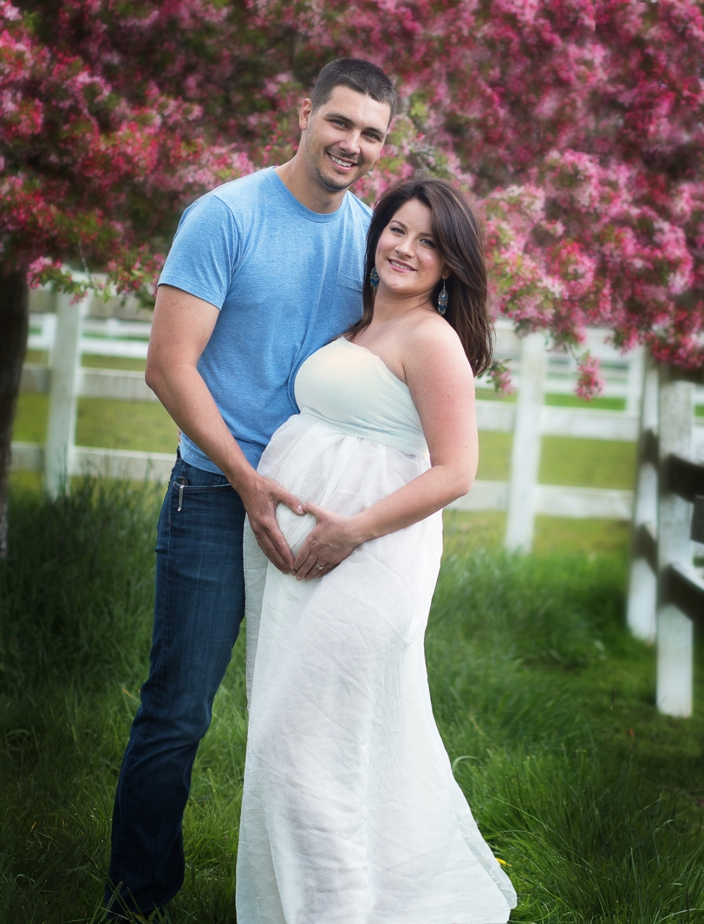 maternity photography outdoors couple