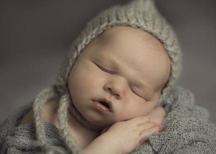 newborn Grey bonnet Seattle.jpg