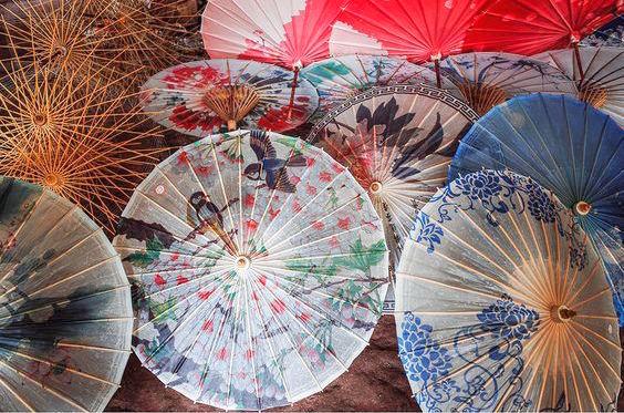 油紙傘作大型佈置.jpg