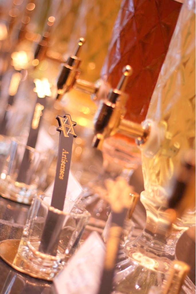 創意香水工作坊 - 課程簡介:由亞洲第一家創意香水工作室Artisenses 舉辦的 Creative Fragrance Workshop,參加者可以設計出個人化的高級訂製香水,國際級調香師更會親自教授並協助每位調配唯一的初春香味。時間:i) Jun 30, 3:45 - 5:15 pm@ The Space, 2/F,D2 Place ONEii) Jul 1, 2:15 - 3:45 pm@ 4/F, D2 Place ONEiii) Jul 2, 2:15 - 3:45 pm@ The Space, 2/F,D2 Place ONEiv) Jul 2, 5:45 - 7:15 pm@ 4/F, D2 Place ONE費用:HK$480 / 1位成人 (價值 HK$630)