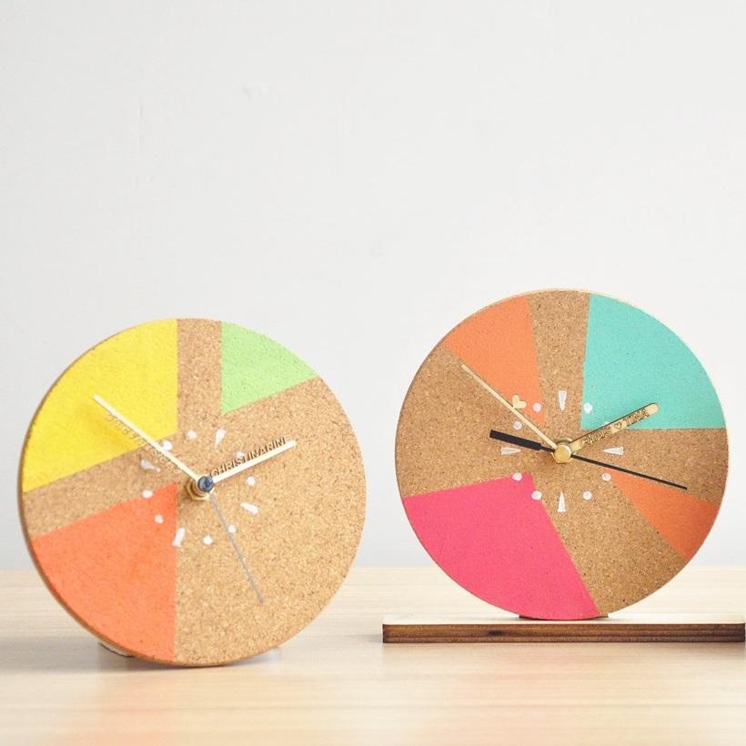 一期一遇.小清新時鐘 - 課程簡介:導師教授上色及零件裝嵌技巧,親手製作獨一無二的小時鐘,令蝸居添上一份簡潔美。日期:i) 8月7日ii)8月14日 時間:每日2節; 每節約1小時i)1200 - 1300ii)1300 - 1400費用:HK$160 / 人;2人同行製作一個,另加HK$30自訂名字指針另加HK$100
