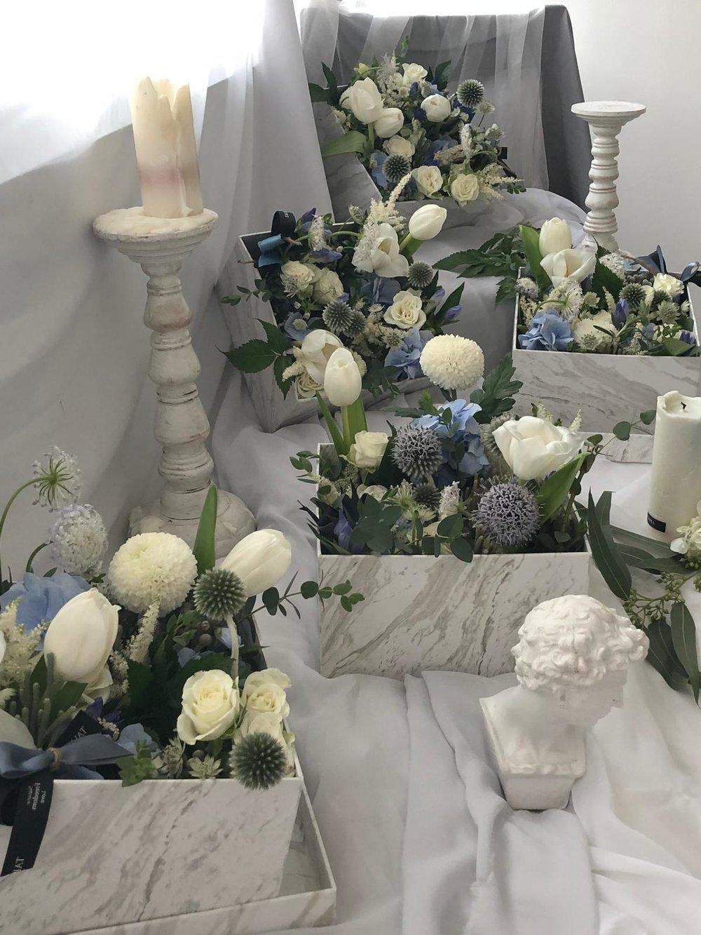 韓式花盒工作坊 - 課程簡介:導師會由認識花材開始,教授學員花與花間的層次概念、花材處理、配色、選花、及束花、插花等知識技巧,學員即可輕鬆地製作獨一無二的韓式花盒。時間:1) 2月3日, 2:30pm – 5pm2) 2月3日, 6pm – 8:30pm3) 2月10日, 2:30pm – 5pm4) 2月10日, 6pm – 8:30pm5) 2月17日, 2:30pm – 5pm6) 2月17日, 6pm – 8:30pm7) 2月24日, 2pm – 4:30pm8) 2月24日, 5:30pm – 8pm費用:HK$499
