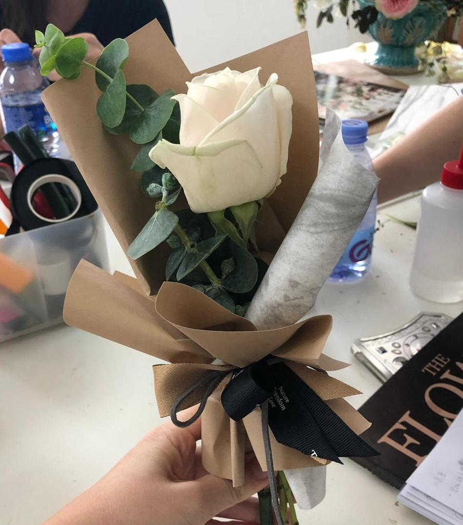 韓式小花束工作坊 - 課程簡介:導師會由認識花材開始,教授學員花與花間的層次概念、花材處理、配色、選花、及束花、插花等知識技巧,學員即可輕鬆地製作獨一無二的韓式小花束。時間:1) 2月2日, 2:30pm – 4:30pm2) 2月2日, 6pm – 8pm3) 2月16日, 2:30pm – 4:30pm4) 2月16日, 6pm – 8pm5) 2月23日, 2:30pm – 4:30pm6) 2月23日, 6pm – 8pm費用:HK$199