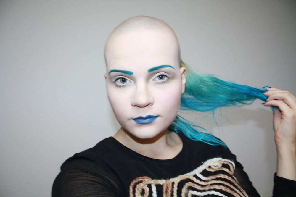 Apila Pepita: How I Turned my Hair into Paper