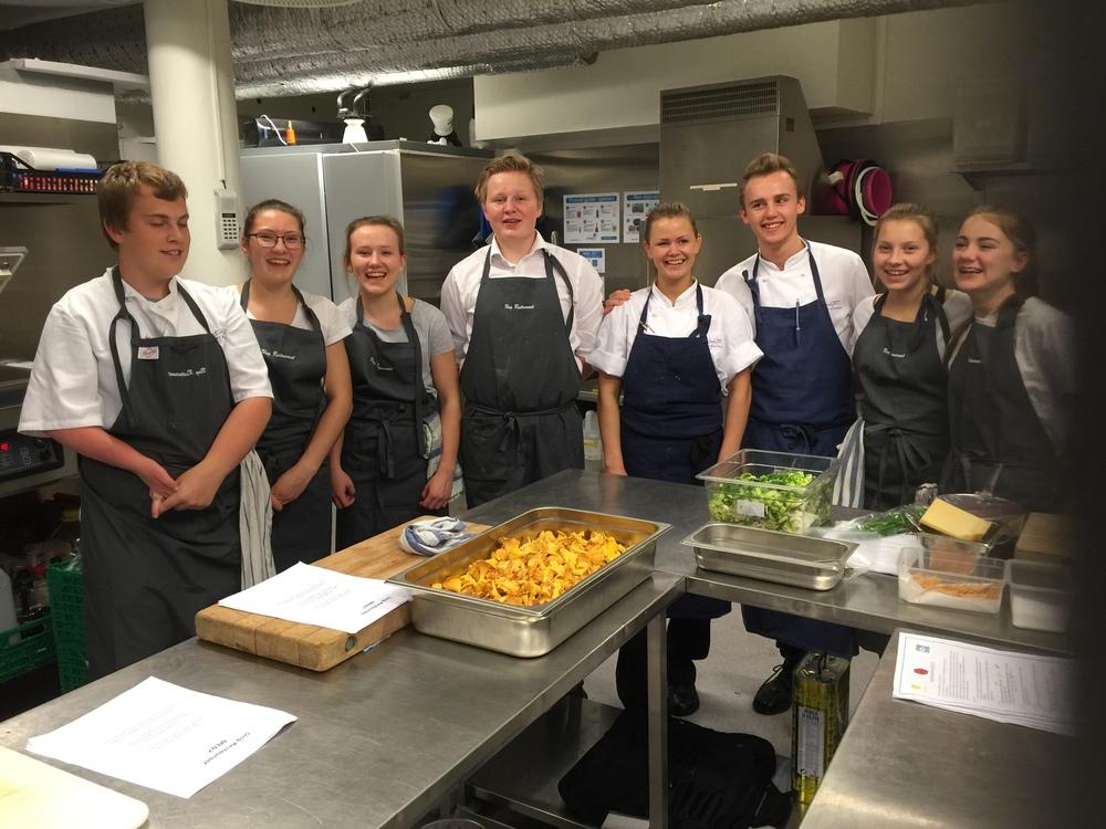 Hoeggen ungdomsskole, Vinnerne av Ung Restaurant 2015 hos Søstrene Karlsen