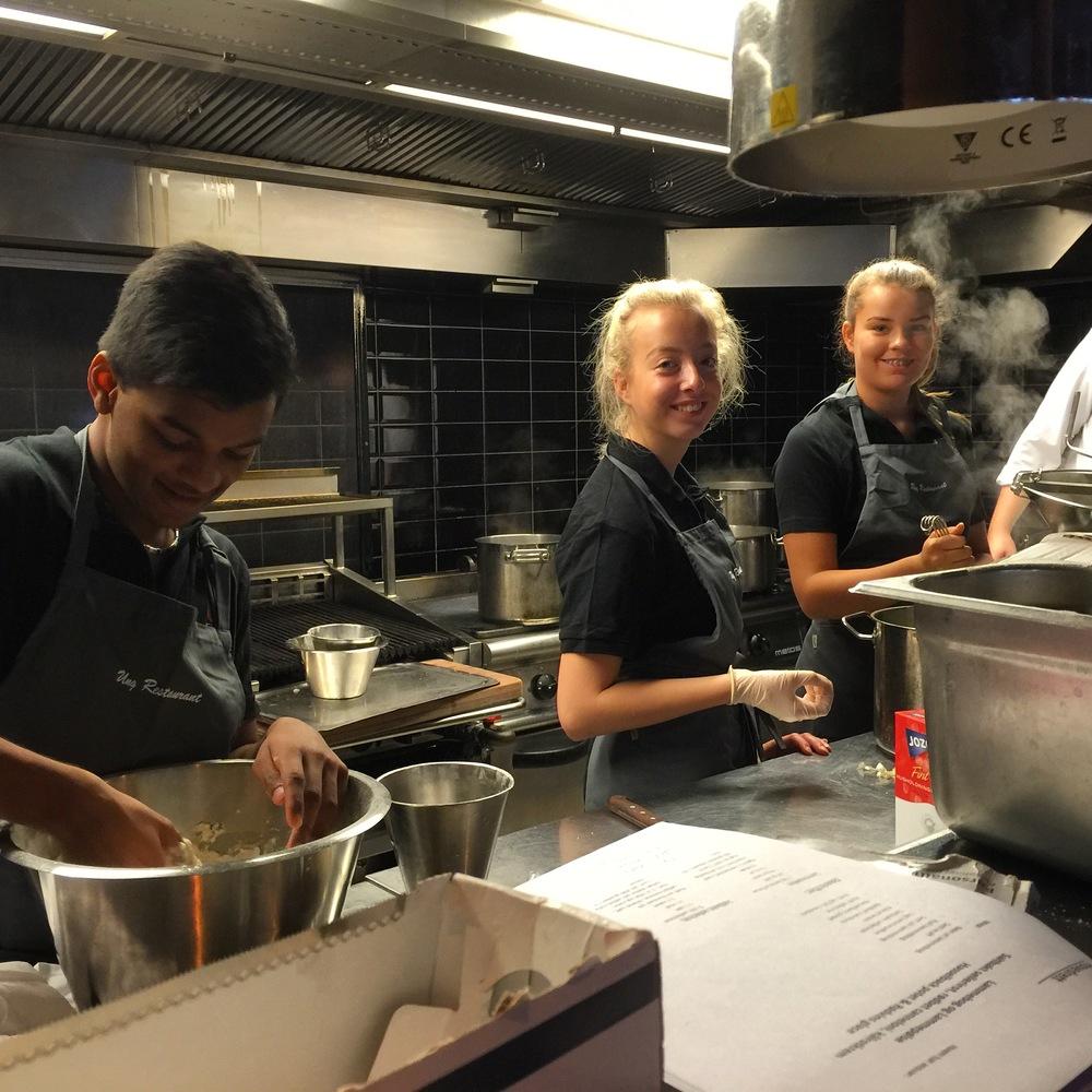 Blussuvoll ungdomsskole hos Eld restaurant
