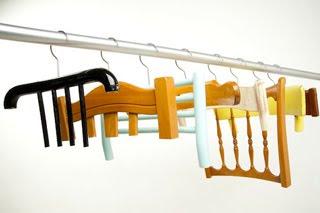 Styling Blog - Design, Interieur & Mode - Stylist Janette van Tol - Abitudini kledinghangerserie van Antonello Fusè - Website Resign